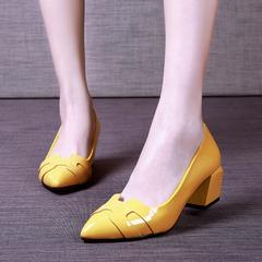 新款春秋季中跟单鞋尖头女鞋粗跟真皮皮鞋浅口职业黑色工作鞋