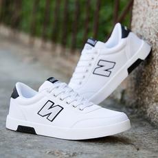 春夏季学生透气男鞋韩版潮流帆布板鞋流行休闲白色鞋子青少年潮鞋