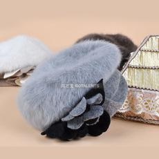 韩版老年人冬天保暖女士兔毛帽子 老人贝雷帽针织花朵优雅女帽子
