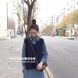 娇小女装时髦毛衣马甲加衬衫两件套