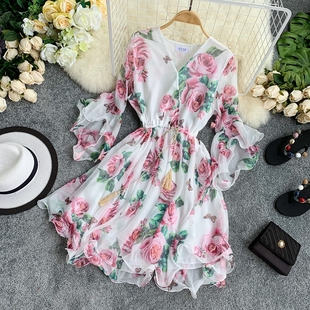 裙子仙女超仙森女系立体花朵飘逸雪纺印花V领喇叭袖显瘦连衣裙女