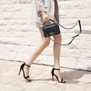 2018夏季新款一字带扣凉鞋女高跟鞋性感细跟真皮中跟黑色百搭女鞋真皮凉鞋