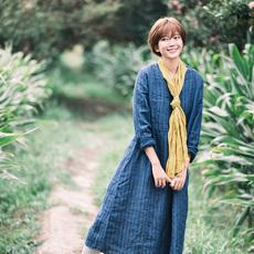 绽放B496朵/缨籣/冬季新款藏青竖条纹V领条纹连衣裙文艺复古女裙