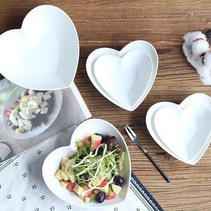纯白创意陶瓷碗欧式家用早餐碗爱心碗<span class=H>碟</span>心形盘碗西餐盘<span class=H>水果</span><span class=H>沙拉</span>碗