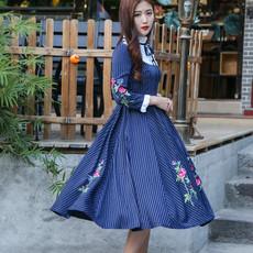 中国风2017想为你做设计之文艺复古条纹花鸟刺绣连衣裙