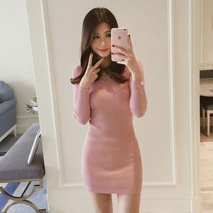秋冬新款v领针织连衣裙中长款毛衣女套头长袖加厚紧身包臀打底衫