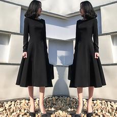 赫本小黑裙2017秋冬女装新款韩版黑色连衣裙圆领收腰显瘦大摆长裙