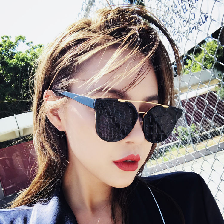 Sunglasses female Han Ban Chao revives old customs original night breeze net the red street clap black to defend the ultraviolet ray round face sun mirror 2018 new style of - intl