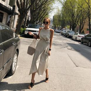 棉麻两件套女夏韩国东大门代购2019新款亚麻挂脖露肩上衣套装裙
