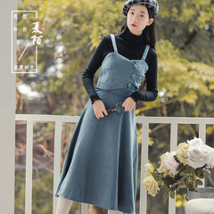 法式少女秋冬气质文艺显瘦背带裙高腰复古吊带灯芯绒连衣裙长裙
