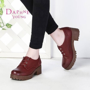Daphne/达芙妮春款英伦学院风复古休闲圆头粗跟中跟深口单鞋女
