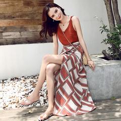 长裙女夏2018新款chic吊带心机裙子设计感遮肉显瘦套装性感连衣裙