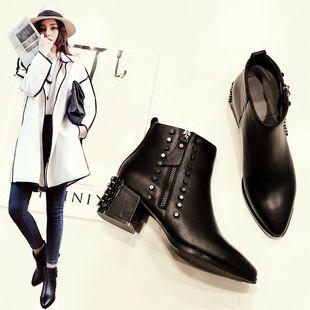 马丁靴女英伦风铆钉短靴女粗跟尖头加绒2016新款女靴子女鞋秋冬季