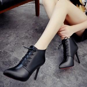<span class=H>冬季</span><span class=H>细跟</span>高跟鞋<span class=H>女靴</span>子加绒短靴系带尖头红色婚鞋马丁靴白