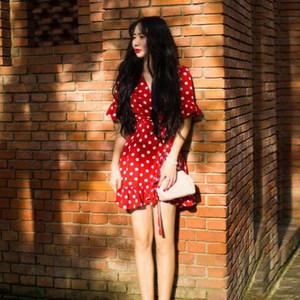2018春夏法式复古红色波点<span class=H>连衣裙</span>V领绑带度假短裙女 巴厘岛沙滩裙