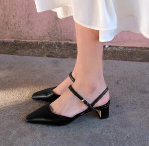 韩国<span class=H>女鞋</span>欧美时尚甜美公主皮带扣镂空包头单鞋粗跟中跟显瘦气质