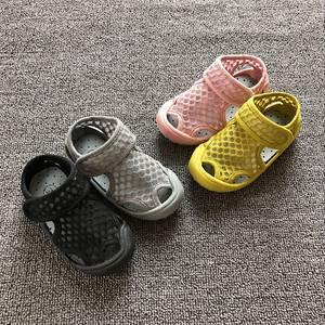 婴儿凉鞋夏季女1-2-3岁宝宝学步鞋男童防滑软底透气网面沙滩凉鞋
