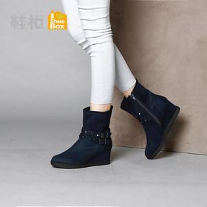 Daphne/达芙妮旗下 冬季时尚复古<span class=H>女鞋</span>方扣中坡跟女靴