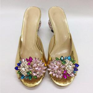 法式小众@金色水钻花朵圆跟高跟女<span class=H>拖鞋</span> 真皮异型跟带钻跟凉鞋大码