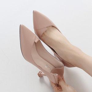 尖头高跟鞋少女细跟2019春新款秋鞋百搭性感猫跟皮<span class=H>鞋子</span>黑色33小码