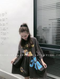 FISH YU字母动漫休闲宽松娃娃裙中长款圆领短袖<span class=H>T恤</span>女上衣2019春款