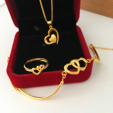 The new Korean version imitated Nansha gold bracelet, female copper plated gold imitation gold heart bracelet.