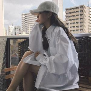 chic早秋白衬衫女2018新款<span class=H>女装</span>港味长袖慵懒上衣网红宽松衬衣外套