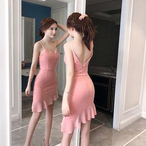 夜店女装2018夏装新款气质性感V领低胸吊带修身显瘦不规则包臀裙