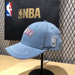 <span class=H>NBA</span>专柜国内代购雷霆队棒球帽男女同款牛仔面料OKC嘻哈鸭舌<span class=H>帽子</span>