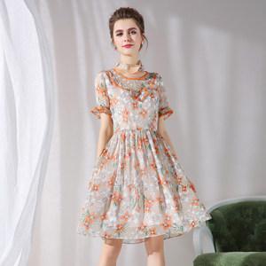 漂亮200斤胖MM荷叶边袖大码女装花边圆领时尚印花清新雪纺连衣裙