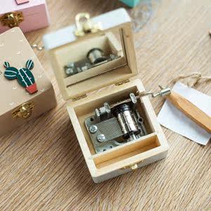 木质机械式手摇音乐盒 天空之城送女生情人节七夕礼品摆件八音盒