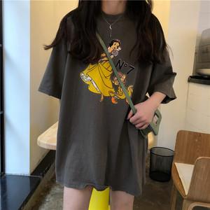 清纯女装2018新款配牛仔短裤的t��女甜美直男斩上衣ing超火的t恤