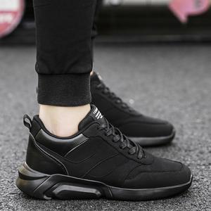 秋冬季全黑色运动鞋<span class=H>男鞋</span>韩版潮流内增高跑步学生休闲<span class=H>鞋子</span>加绒棉鞋