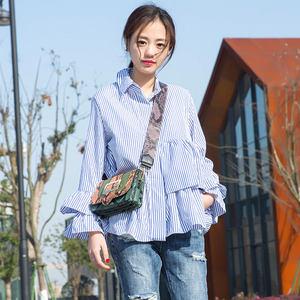 蓝白竖条纹衬衫女2019春装新款韩版宽松长袖设计感喇叭袖<span class=H>上衣</span>显瘦