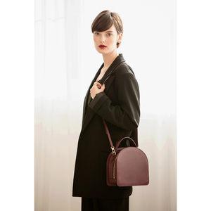 简约风<span class=H>包包</span>女2019春季新款小众设计师款拉链小方包单肩斜跨手提包