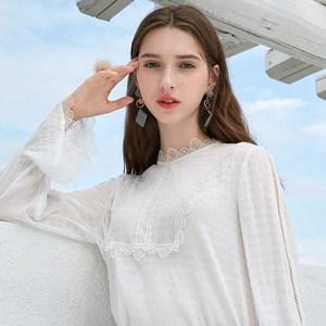 三彩2018冬季新款 花边圆领镂空喇叭袖长袖直筒雪纺衫<span class=H>衬衫</span>上衣女