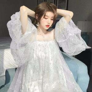 女装时尚性感一字领露肩宽松连衣裙气质喇叭袖木耳边网纱蓬蓬裙潮