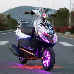 白幽灵改装鬼火<span class=H>摩托车</span>战速跑车踏板燃油助力车跑车代步整车四冲程