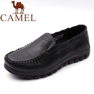 骆驼品牌名牌<span class=H>女鞋</span>春秋季低跟休闲鞋女式真皮套脚中老年<span class=H>单鞋</span>黑色潮