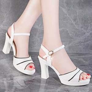 高跟<span class=H>凉鞋</span>2018夏季新款韩版公主粗跟防水台白色小清新少女女鞋。