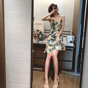 2019夏森女v领吊带一字露肩雪纺连衣裙女气质显瘦荷叶边鱼尾裙子