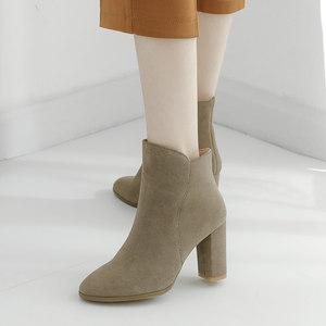 真皮靴子女粗跟<span class=H>短靴</span>女春秋2018新款马丁靴圆头中筒<span class=H>单靴</span>网红女靴