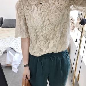 韩国镂空上衣女士宽松蕾丝短袖夏季冰2018新款露肩米色雪纺蓬蓬衫