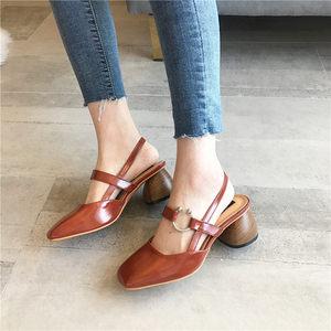 粗跟浅口<span class=H>搭扣</span>春季单鞋<span class=H>女</span>鞋2018新款休闲复古<span class=H>女</span>士时尚<span class=H>鞋子</span><span class=H>高跟</span>鞋