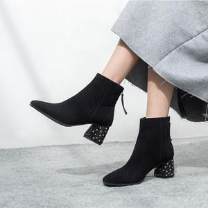 早号女鞋2018新款<span class=H>马丁靴</span>女<span class=H>磨砂</span>皮方头后拉链粗跟女靴<span class=H>水钻</span>高跟短靴