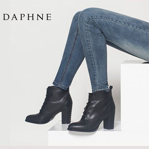 Daphne/<span class=H>达芙妮</span>专柜正品<span class=H>女靴</span> 冬季时尚尖头粗跟系带高跟女鞋短靴