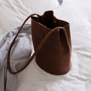 高级感大<span class=H>包包</span>洋气时尚2019大容量斜挎水桶包小包质感女包法国小众