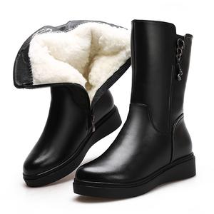 冬季真皮羊毛女靴子中筒靴保暖加绒厚底防滑平跟<span class=H>雪地靴</span>棉靴妈妈鞋