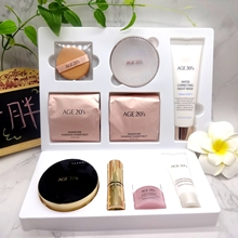 Ai Jing age20s air cushion BB water Powder Cream Foundation Concealer moisturize and destroy the colorful Black Gold Limited suit