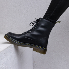Summer 2019 New Retro Army Boot Locomotive British Wind Shoe Female Leather Flat Bottom High Ring 1460 Tie Martin Boots